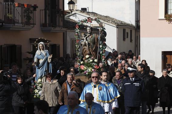 Un'edizione della processione (Foto G. Lattanzi)