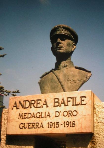 Monumento in Piazza Brescia a Jesolo Lido